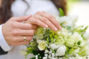 Wedding Planning: How to Handle Your Wedding Task and Choose the Best Transportation